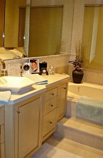 bathrooms003